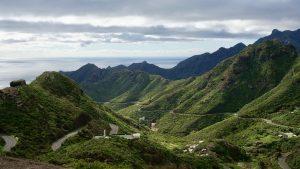 Canary Islands January August 2020 tourism.